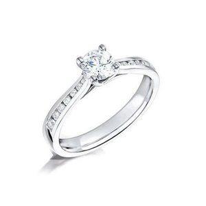 2.20 Carats prong set diamonds Anniversary ring wh
